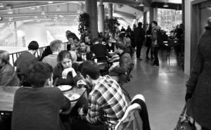Fællesspisning hver tirsdag i Korsgadehallen