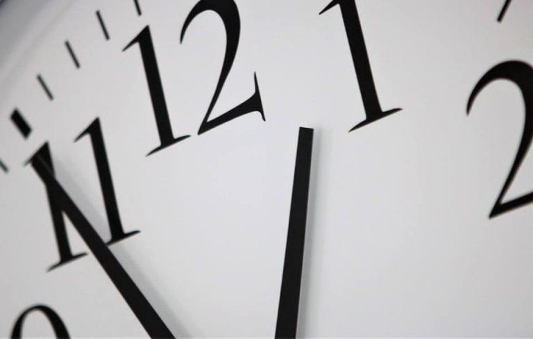 Husk uret skal stilles en time tilbage