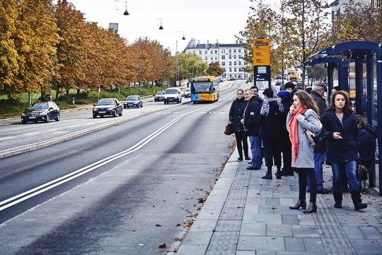 Det er dyrt, når busserne sidder fast i trafikken