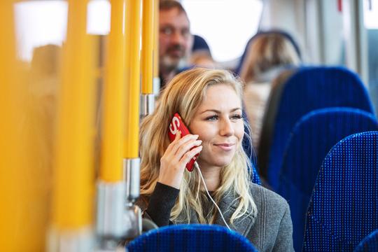 Flere og flere buslinjer, hvor man kan lade mobilen op