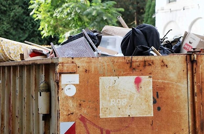 Kommuner må droppe container-afgifter