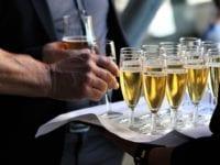 Begræns antallet af deltagere til private fester
