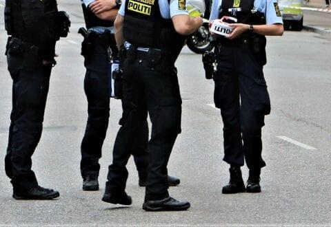 Københavns Politi offentliggør videoovervågning i drabssag fra frisørsalon