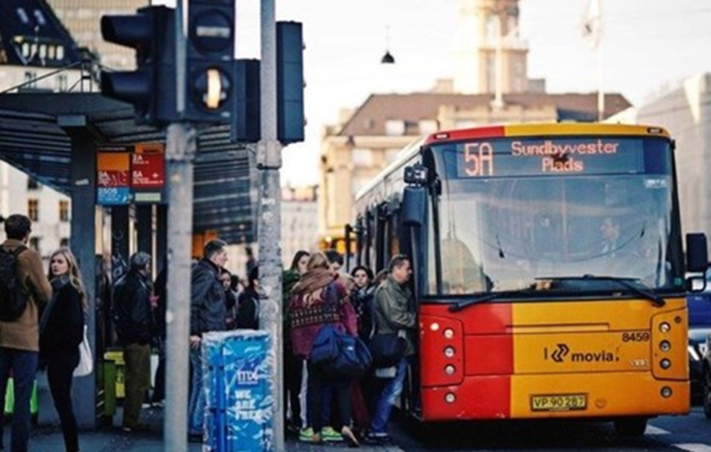 Movia genindfører kontanter i busser og Flextrafik